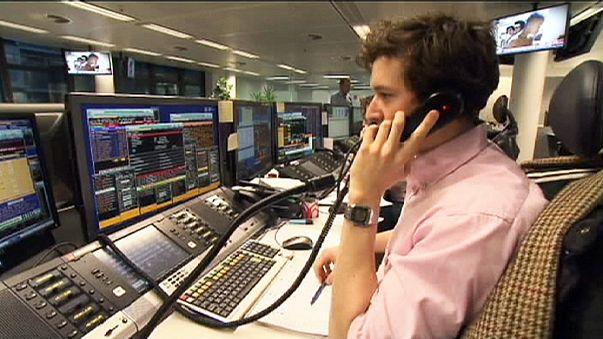 Индексы европейских бирж снизились из-за нефти