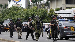 إرهاب داعش يضرب جاكرتا ويحدث حالة من الذعر والقلق في اندونيسيا