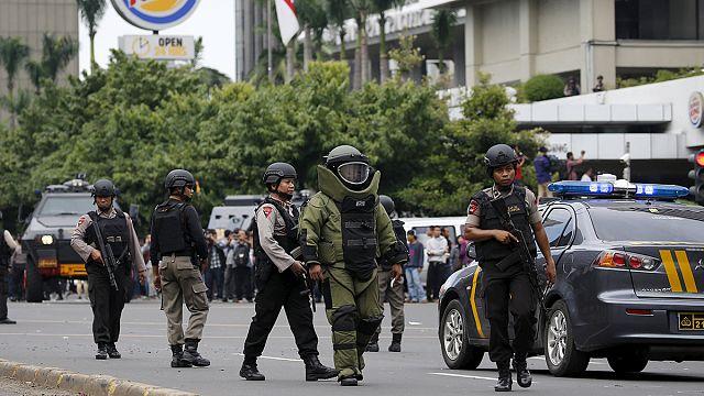 Взрывы в Джакарте: свидетельства очевидцев