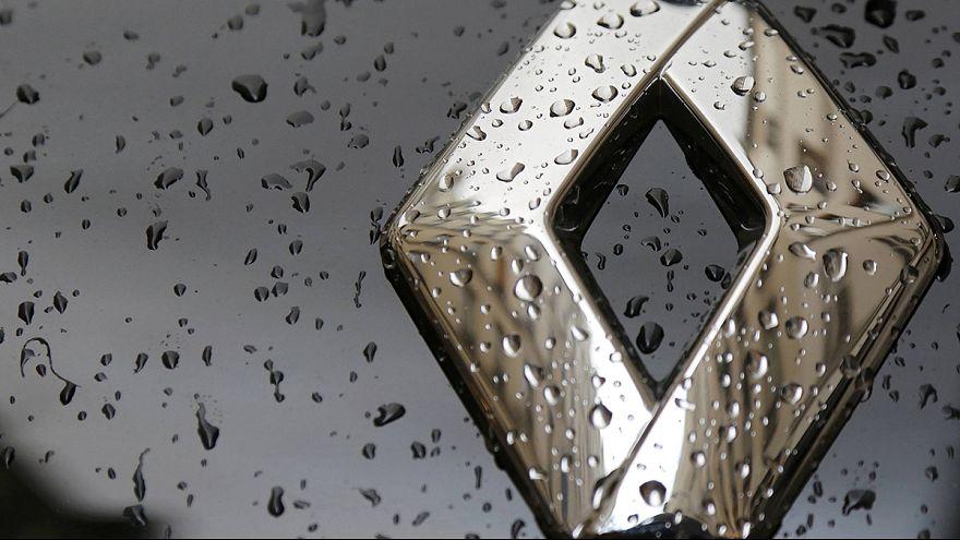 Szabadultak a Renault-részvényektől a hírre, hogy házkutatás volt a gyárban