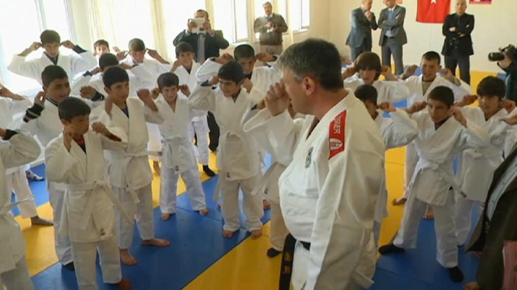 IJF brings judo to refugee kids
