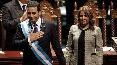 Guatemala: TV-Komiker als Präsident vereidigt