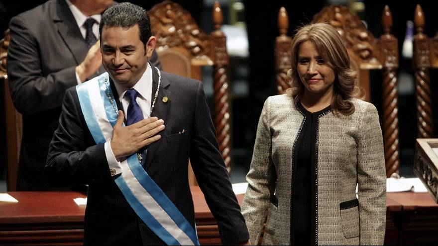 الممثل جيمي مورالس يتسلم رسمياً مقاليد الرئاسة في غواتيمالا