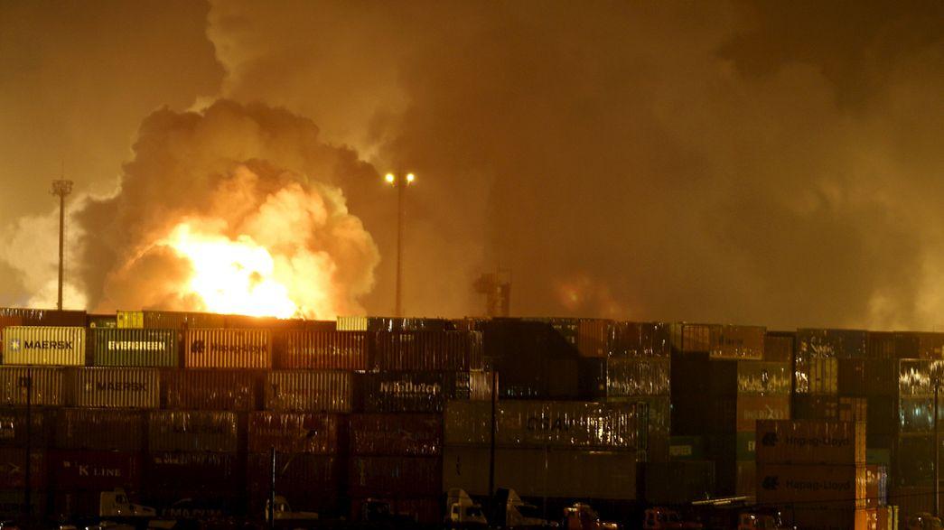 Alerte chimique après un incendie dans le plus grand port brésilien dans l'Etat de São Paulo