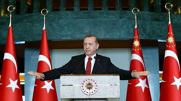 دستگیری ۱۴ استاد دانشگاه در ترکیه  و واکنش رجب طیب اردوغان