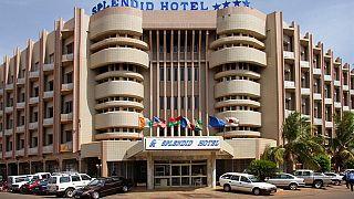 قتلى وجرحى في هجوم على فندق بواغادوغو تتبناه القاعدة.. وقوات الأمن تشن عملية لتحرير الرهائن