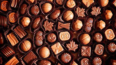 La fabrication du chocolat montrée à des enfants du Caire
