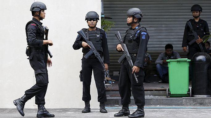 Endonezya polisi şüpheli avında