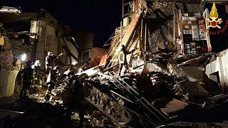 مقتل خمسة أشخاص في انهيار مبنى في إيطاليا
