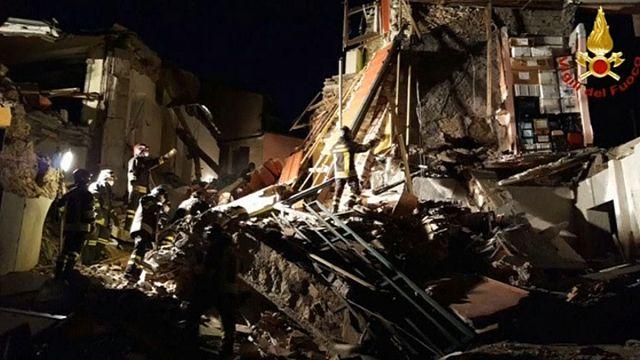 Itália: explosão em edifício faz cinco mortos