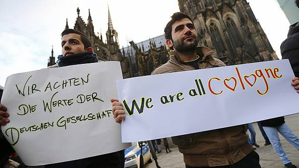 Refugiados manifestam-se em Colónia