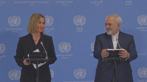نماینده عالی اتحادیه اروپا در سیاست خارجی از برداشته شدن تحریمها علیه ایران خبر داد