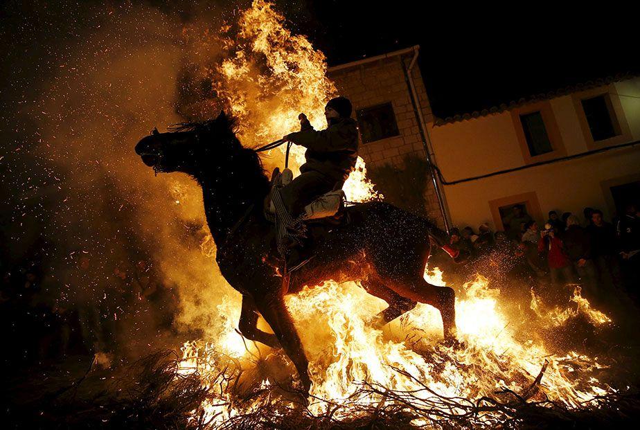 En Espagne, un cheval de feu pour la saint Anton