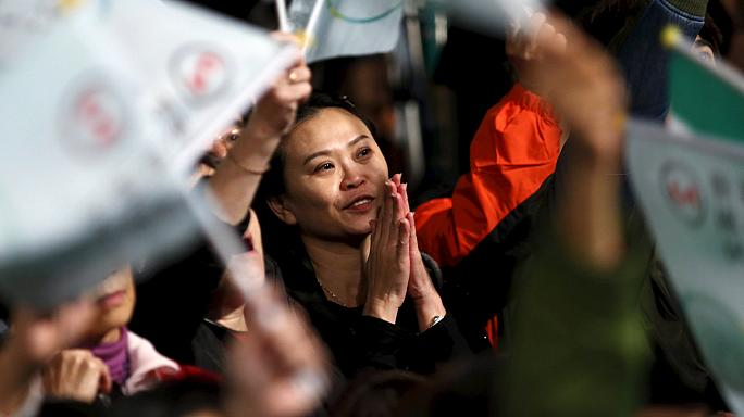 Los taiwaneses reciben con esperanza e inquietud el cambio de rumbo