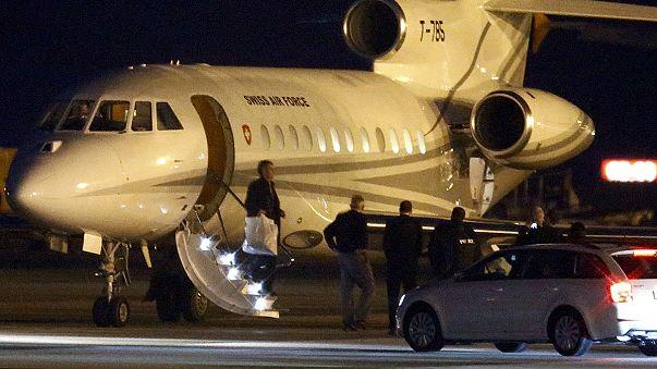 Tres de los cuatro presos estadounidenses liberados por Teherán rumbo a casa
