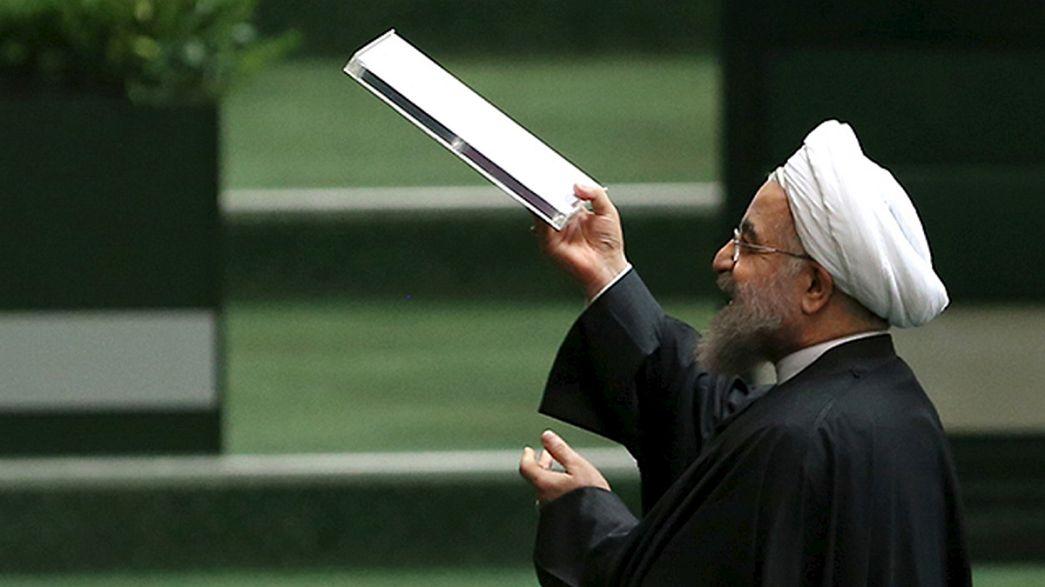 Irão celebra fim das sanções por entre críticas de Israel
