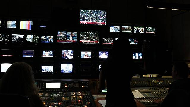 Greek government pushes ahead with broadcasting reform despite stiff opposition