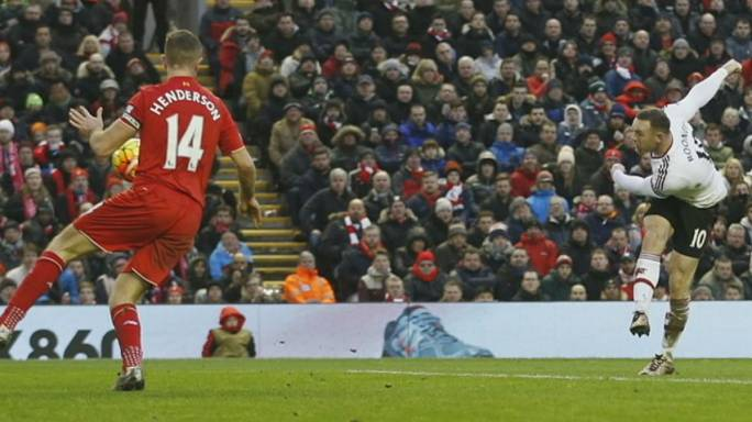Rooney lifts pressure off United and Van Gaal with Liverpool winner