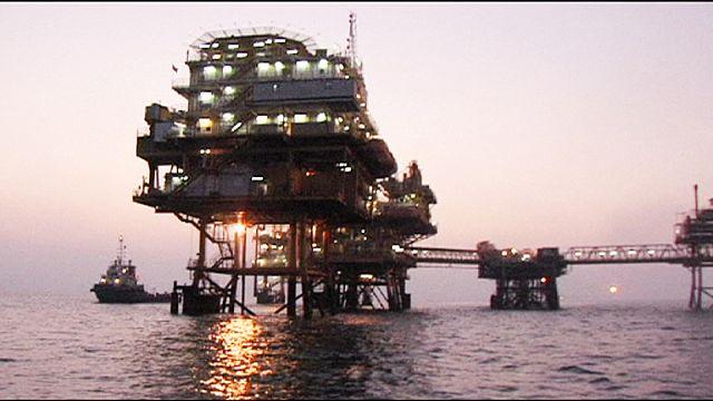 Нефть и рубль ушли вниз из-за Ирана