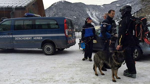 Франция: пятеро военных погибли при сходе лавины в Альпах