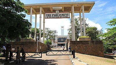Ouganda : guerre ouverte entre le parlement et les journalistes sans diplôme