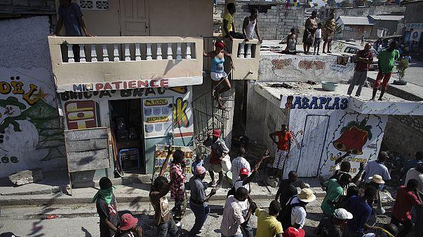 Brennende Wahlbüros vor Abstimmung in Haiti