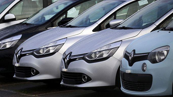 Visszahívja autóit a Renault