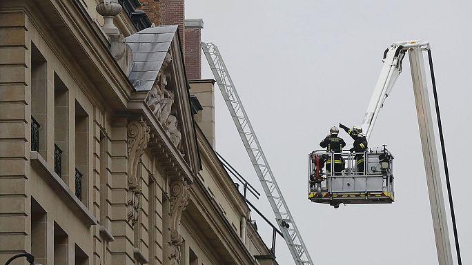 """Париж: пожар в отеле """"Ритц"""""""