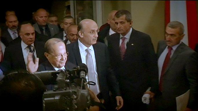 Kezet ráztak az egykori libanoni ellenfelek