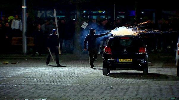 Elfajult egy menekültellenes tüntetés Hollandiában