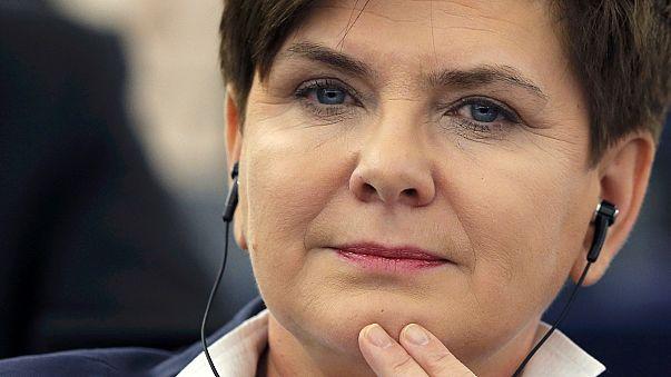 رئيسة الحكومة البولندية بيتا شيدلو في البرلمان الأوربي تشرح التعديلات الدستورية التي قامت بها حكومتها