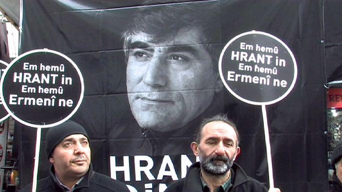 Hundreds pay tribute to slain Turkish-Armenian journalist Hrant Dink