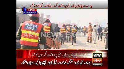 Au moins 21 morts dans un assaut contre une université au Pakistan