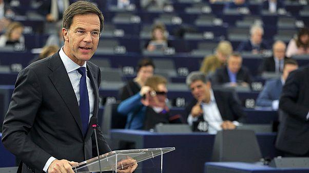 """Rutte a Strasburgo:""""La priorità della presidenza olandese è ridurre il numero dei rifugiati in arrivo"""""""