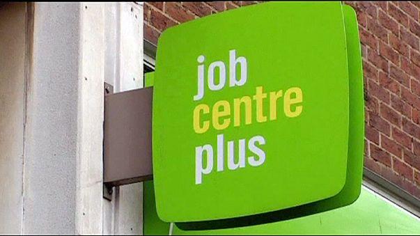 Taxa de desemprego no Reino Unido cai para mínimos de 10 anos