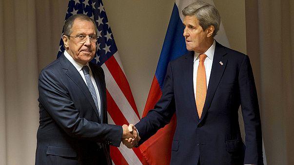 المعارضة السورية لن تشارك في مفاوضات السلام إذا انضم لها طرف ثالث
