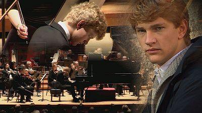 Jan Lisiecki seduce al público de Filadelfia con su madurez al piano