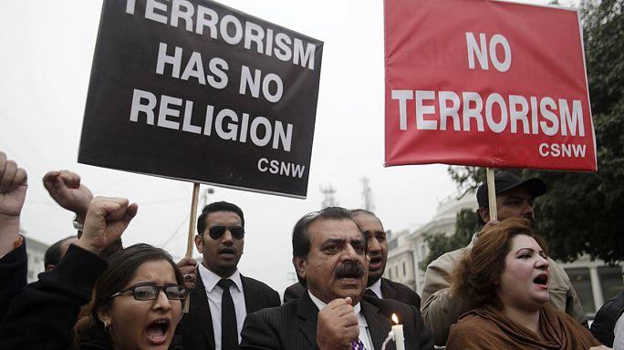 Пакистан: митинг против нападения талибов