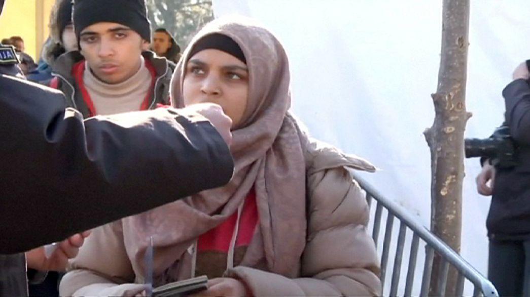 Mazedonien öffnet für Flüchtlinge wieder Grenze zu Griechenland