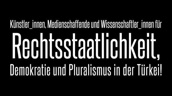 Künstler: Merkel soll mit türkischer Regierung über Menschenrechte sprechen