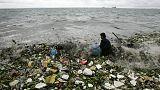 المنظمات البيئية تعرب عن خشيتها من تفاقم انتشار المواد البلاستيكية في مياه البحار