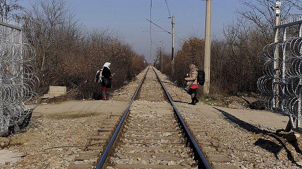 Croatia follows FYROM: new rules limit migrant travel across Balkans