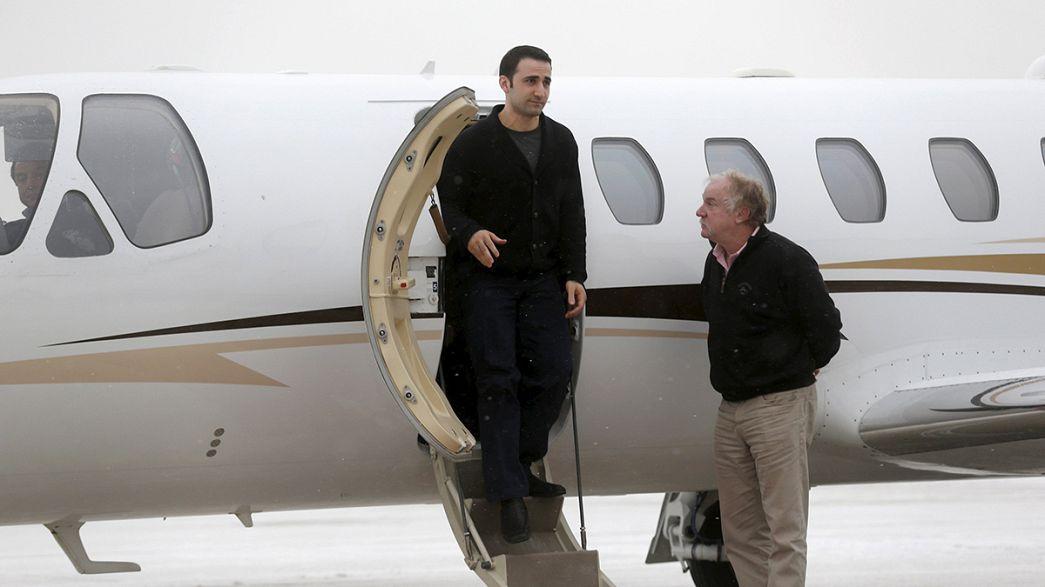 Dois norte-americanos libertados pelo Irão chegam aos EUA