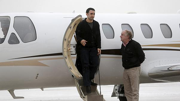 "L'ex detenuto in Iran Hekmati arriva in Michigan: ""Felice di essere a casa"""