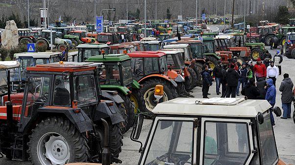 Ελλάδα: Μπλόκα παντού από τους αγρότες