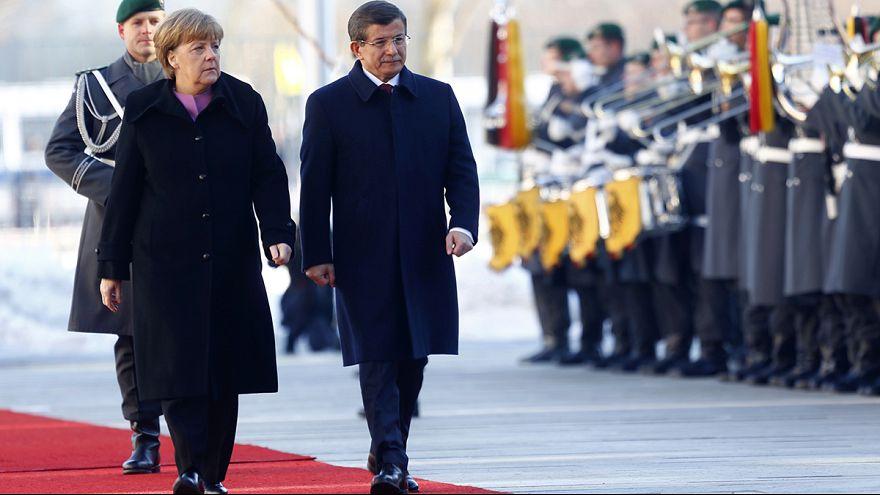 Türkiye ve Almanya sığınmacı krizine çare arıyor