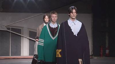 Supersize clothing hits Paris catwalk