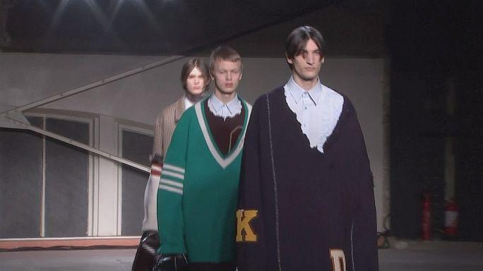 Os casacos extra largos de Raf Simons e as propostas de Berlim e Paris