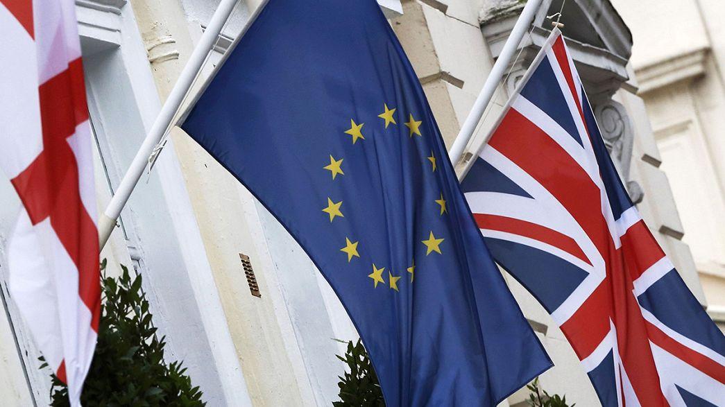 """ЕС тревожат: беженцы, реформы в Польше, """"британский выход"""""""