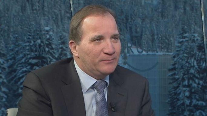 Stefan Löfven: Nem bántuk meg, hogy nyitva tartottuk határainkat